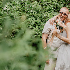Wedding photographer Asya Molochkova (emptyredhead). Photo of 03.07.2018