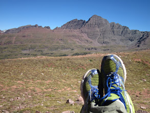Photo: Sporting the ugly Mizuno's with the Maroon Bells in the background. Lime green shoes are making a come-back!