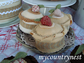 Photo: dolcetti di feltro alla vaniglia e crema, decorativi