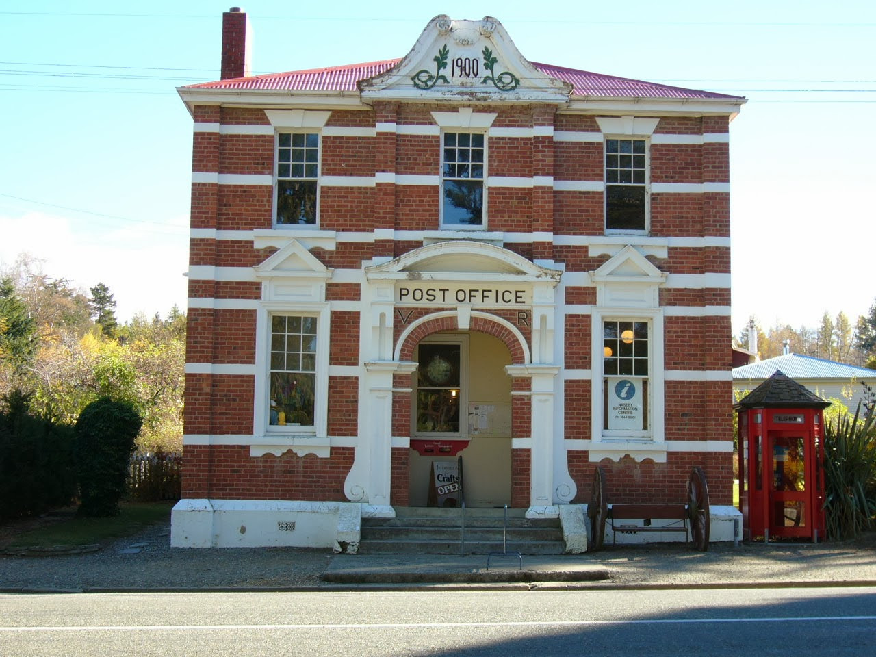 Photo: The former Naseby Post Office building on Derwent Streetnow houses the Visitor Information and Craft Centre.