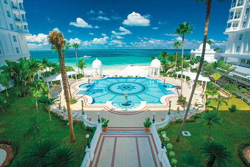 The pool at the five-star RIU Palace Las Americas in Cancun.