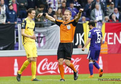 """Hoofdvideoref tijdens Anderlecht-Club verdedigt beslissing om Brugse gelijkmaker af te keuren: """"Je kan niet een beetje zwanger zijn"""""""