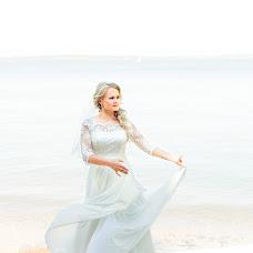 Wedding photographer Olga Volkovec (OlyaV). Photo of 18.10.2016