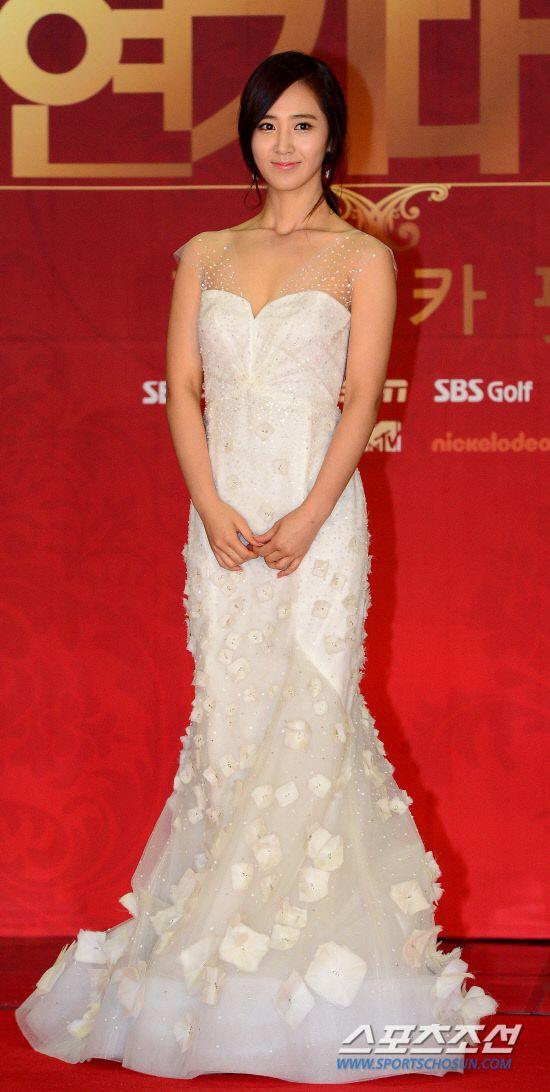 yuri gown 10