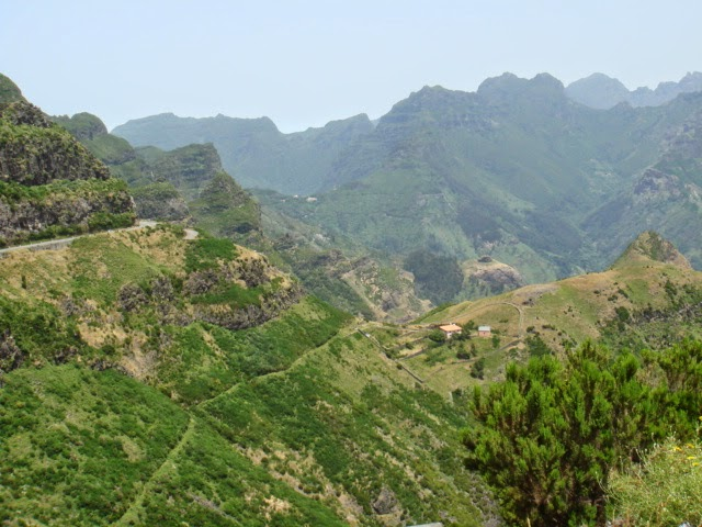 panorama vanaf de bergpas