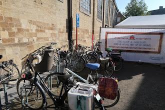 Photo: Les vélos : nous sommes en Flandre.  -  Fait comme dans ta maison ne jette pas les déchets par terre.