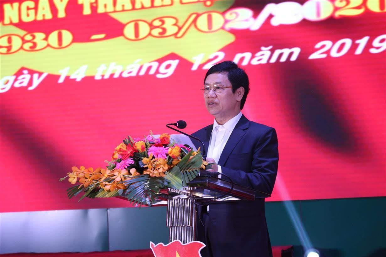 Đồng chí Nguyễn Xuân Sơn - Phó Bí thư Thường trực Tỉnh ủy, Chủ tịch HĐND tỉnh phát biểu tại buổi diễn đàn.