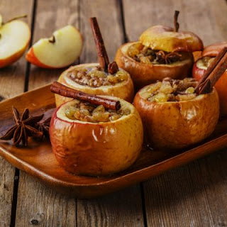 Crockpot Stuffed Caramel Apples