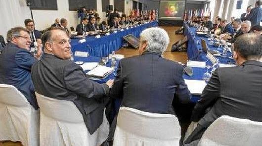 Telefónica compra la Liga 15/16 en exclusiva por 600 millones