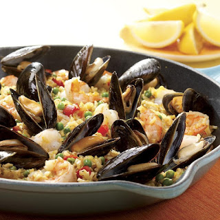 Quick Paella with Shrimp & Mussels.