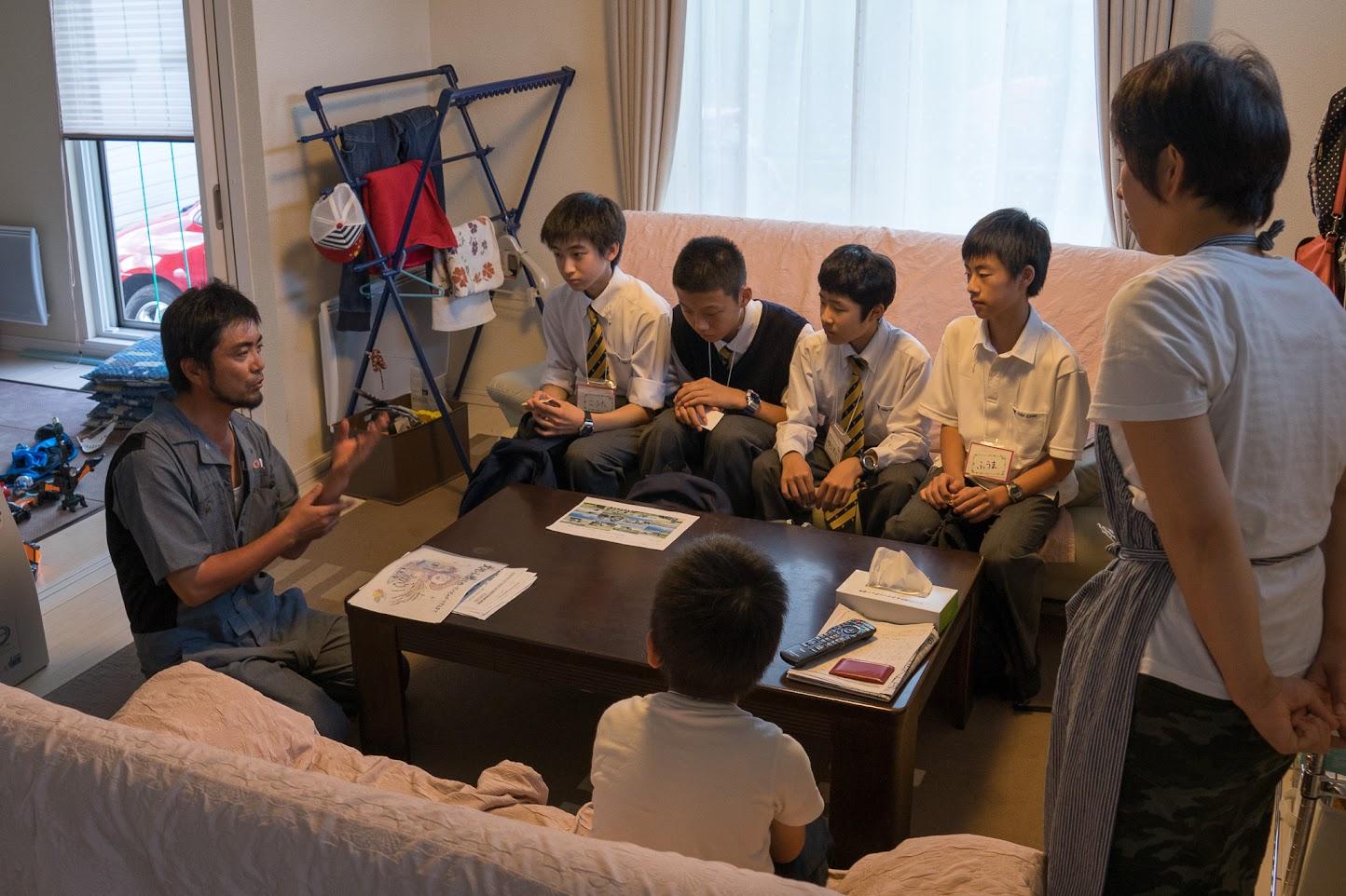 永井稔さんからレクチャーを受ける生徒さん達