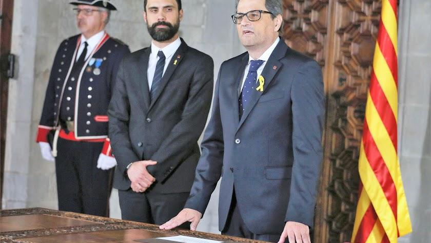 El presidente de la Generalitat, Quim Torra, en su jura ante el presidente del Parlament