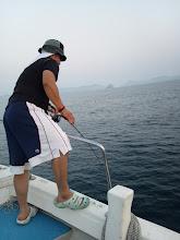 "Photo: ファーストヒットは強烈にお仕事が忙しい""キタノさん""! 何とか合間を作ってのご乗船! 2流し目でフィーッシュ!"