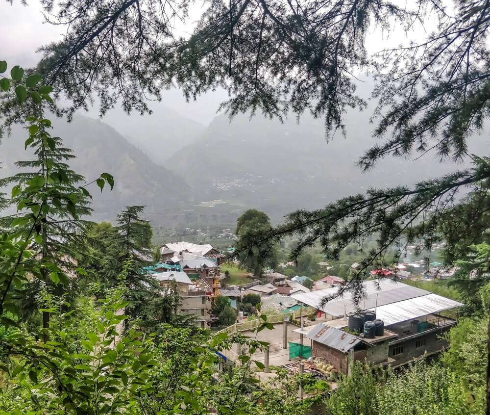countryside+krishna+tempel+naggar+manali+himachal