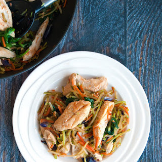 Sweet Sriracha Easy Chicken Stir Fry