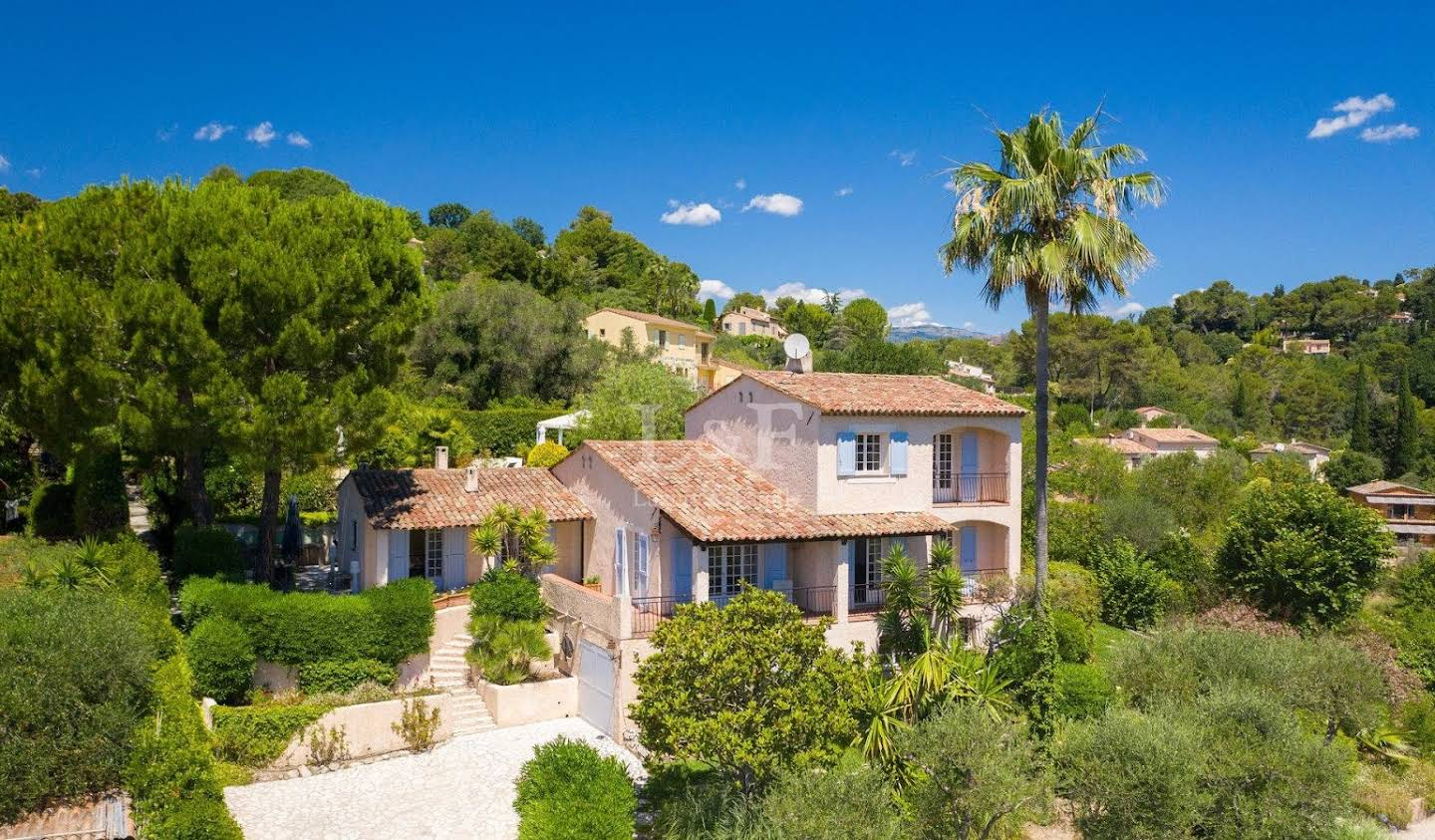 Villa with pool and garden Mougins