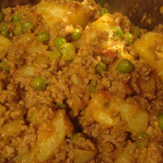 Kheema (minced Lamb, Potato And Pea Curry)