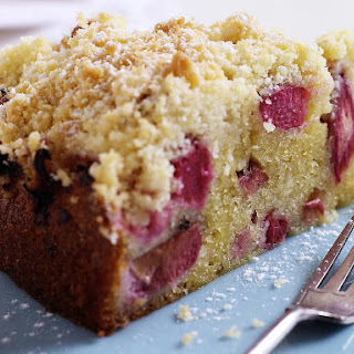 Rhubarb Cake with Crumble Topping
