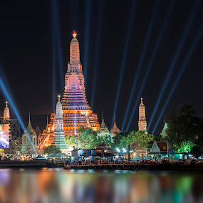 Countdown 2016 at Wat Arun Bangkok Thailand by Waraphorn Aphai - City,  Street & Park  Night ( famous, destinations, skyline, thailand, thai, cityscape, architecture, travel, wat, stupa, religion, bangkok, buddhism, happy, event, province, asia, year, festival, gold, place, light, phraya, water, work, national, beautiful, art, 2016, tourism, boat, dusk, fire, temple, arun, landmark, sunset, fireworks, night, view, celebration, culture, river )