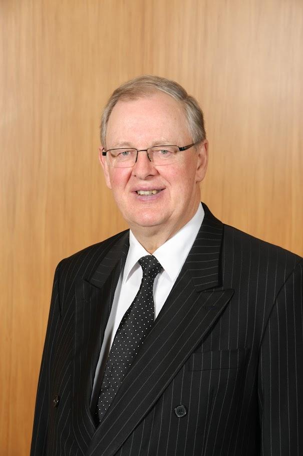 Hon Douglas White QC
