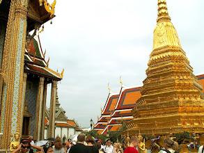 Photo: Bangkok, Wat Phra Kaew, a chedi