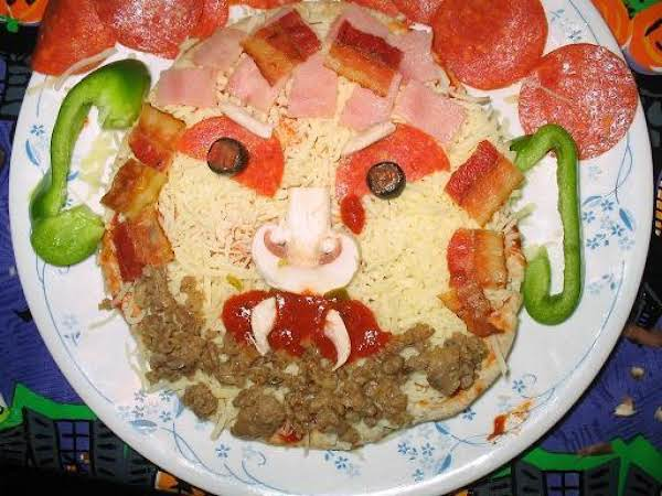 Scary Faced Pita Pizzas Recipe