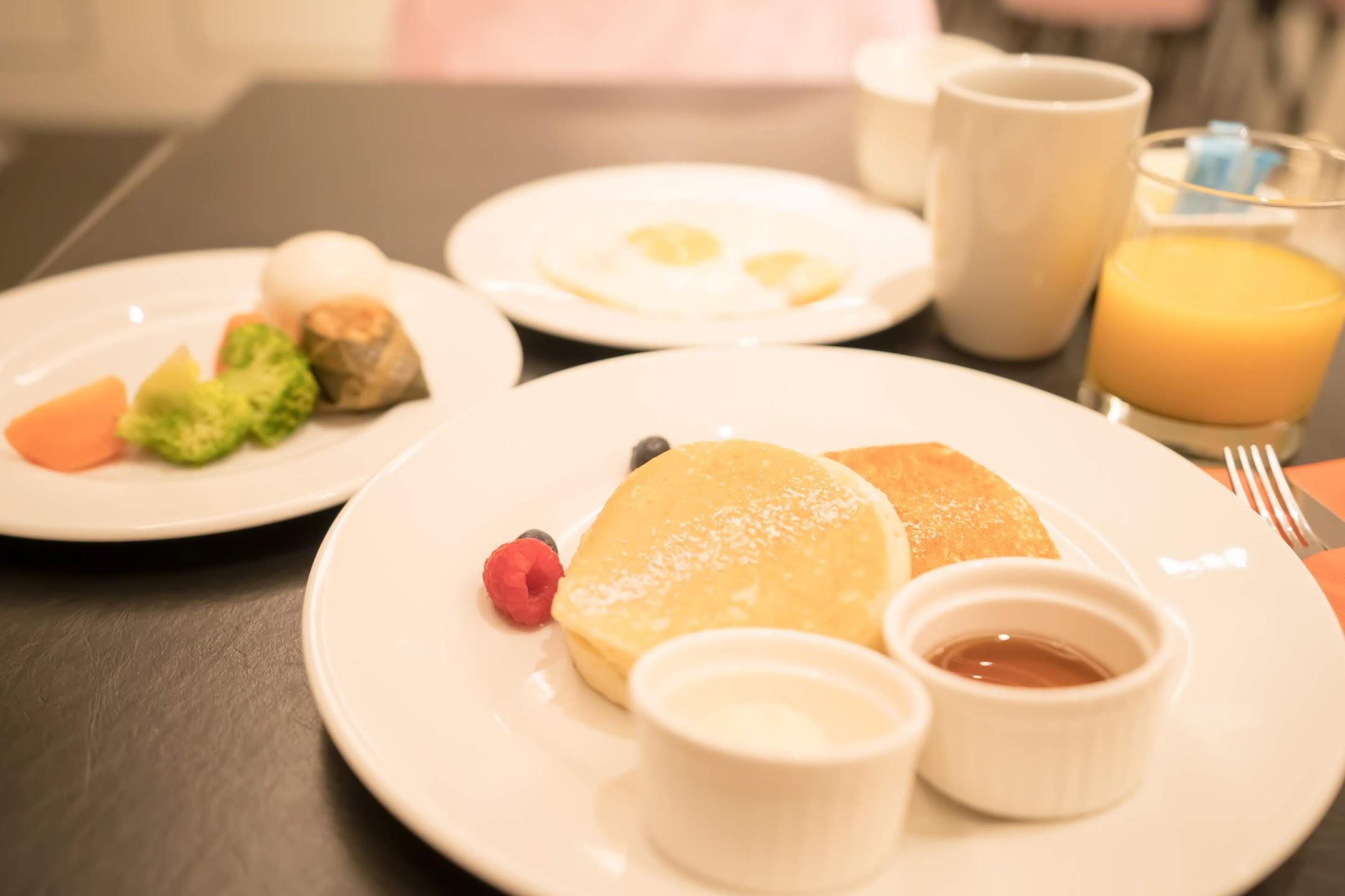 Grand Park City Hall breakfast2