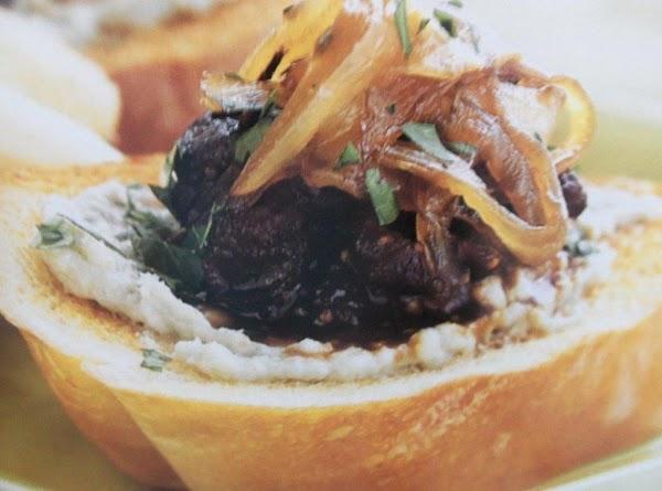 Fig, Caramelized Onion  & Gorgonzola Crostini Recipe
