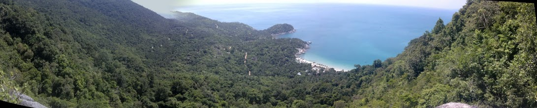 Photo: From there I go on my Sunday 2 hour jungle walk to another beach, this the halfway viewpoint.