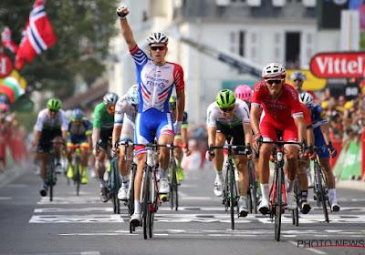 Van Aert spurt naar knappe derde plaats, Démare wint Milaan-Turijn