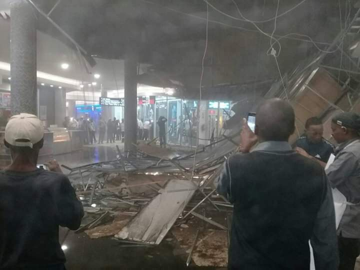 14 injured after ceiling collapses at Bloemfontein mall - TimesLIVE