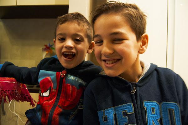 bambini felici di Charlie_balloon