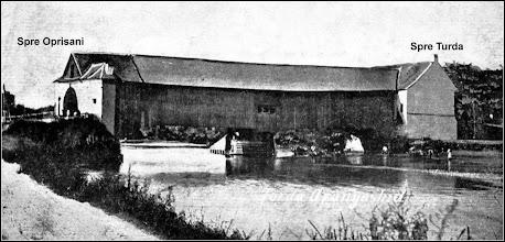 Photo: Podul de lemn sursa, Facebook, R.C. https://www.facebook.com/permalink.php?story_fbid=1610446249268856&id=100009104908756&pnref=story