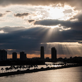 touch of morning sunbeams by Jarka Vojtaššáková - Landscapes Sunsets & Sunrises ( sunbeams, miami beach, sunrise, landscape, shadows )