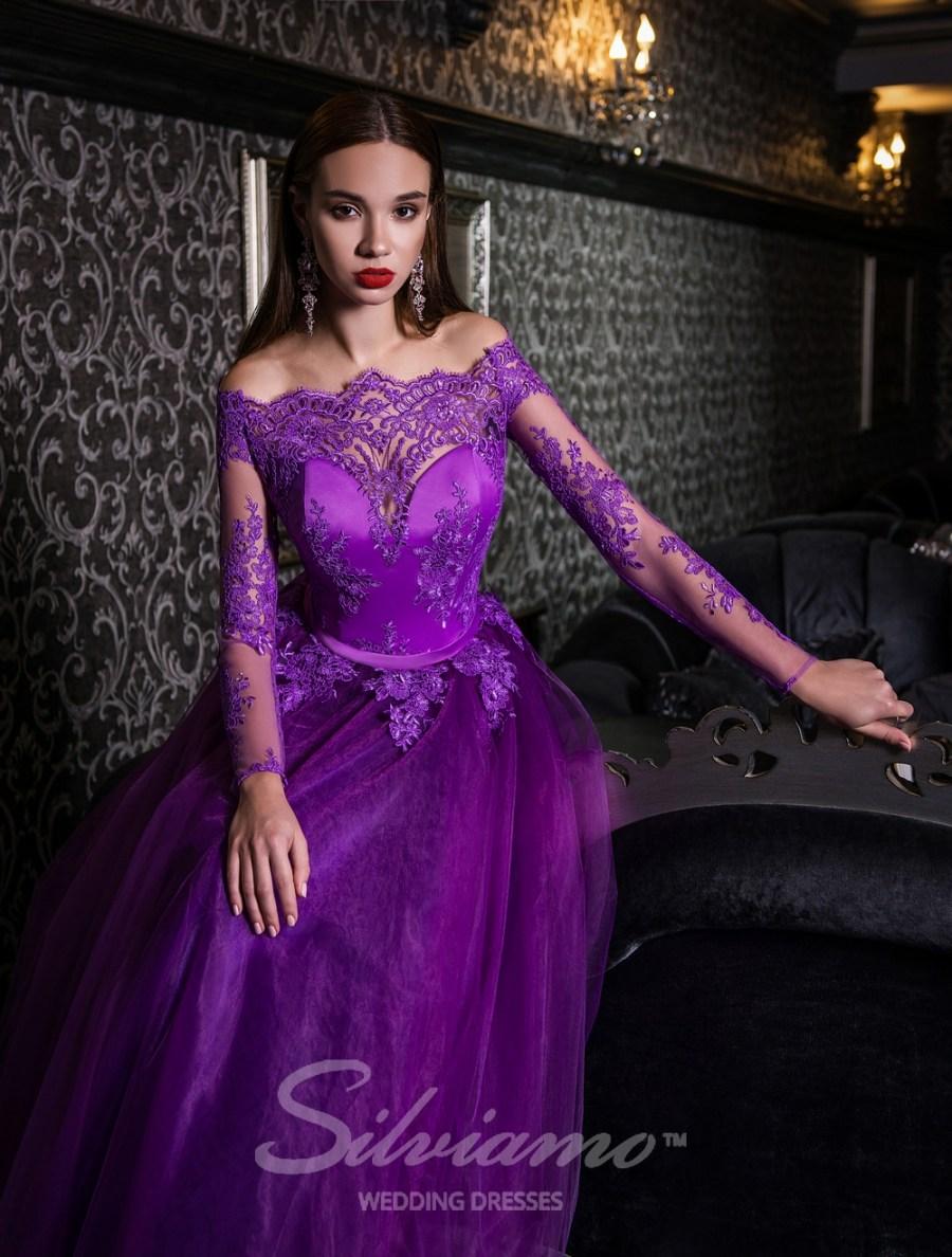 Пышное вечернее платье с длинными рукавами оптом от Silviamo
