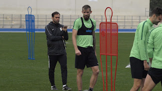 Esteban Saveljich en el entrenamiento junto a Fran Fernández.
