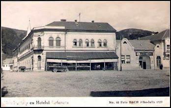 Photo: Abrud, Detunata - 1929 - resturant cu terasa -  sursa A.Dragomir Gligor https://www.facebook.com/photo.php?fbid=1680223262257425&set=a.1488517494761337.1073741844.100008093025822&type=3&theater