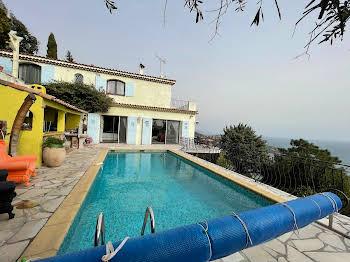 Villa 8 pièces 195 m2