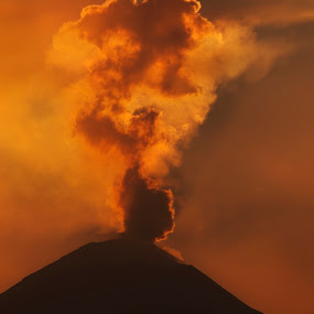 smoking volcano by Cristobal Garciaferro Rubio - Digital Art Places ( cholula, volcano, mexico, sunset, puebla, smoking volcano, smoke )