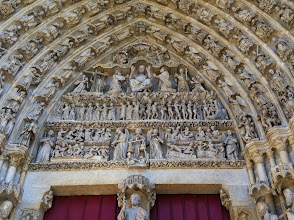 Photo: Amiens Cathedral, Judgment Day: clothed people go to heaven, naked people go to HELL.