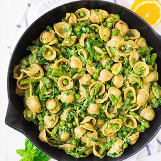 Avocado Pasta with Asparagus and Peas.