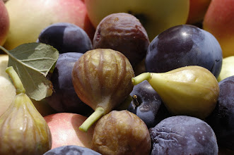 Photo: Figs and plums