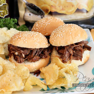Memorial Day BBQ Beef Brisket Sliders {Electric Pressure Cooker Recipe}.