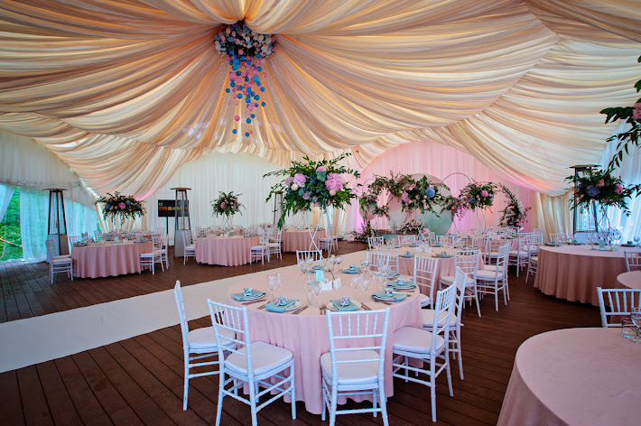 Фото №1 зала Малая поляна с банкетным шатром