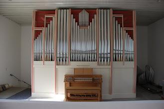 Photo: Orgle so postavljene, piščali še čakajo na intoniranje in uglaševanje - Die Orgel steht schon, Pfeifen warten noch auf das Intonieren und Stimmen - The organ stands already, the pipes are still waiting to be voiced and tuned