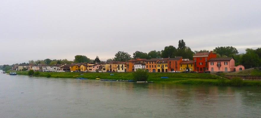 colours on the river di oiseneg