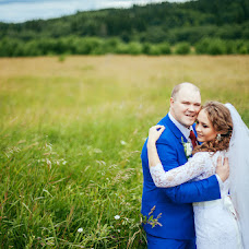 Wedding photographer Katerina Novokshonova (Tanuka). Photo of 07.08.2015