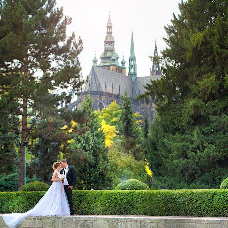 Wedding photographer Anton Shulgin (AnSh). Photo of 21.12.2017