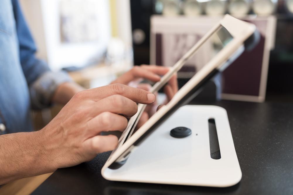 Memiliki aplikasi POS yang tepat merupakan salah satu cara untuk tingkatkan level bisnis.