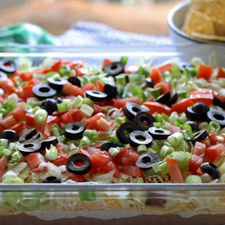 Layer Taco Dip With Ground Beef Recipes.